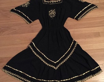 Sale! The Vintage Dress Dreams Are Made Of! Black and Gold Vintage  Dress, Fancy Cowgirl Dress