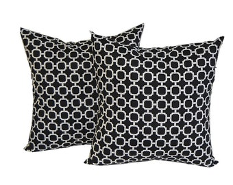"SET OF 2 Pillow Covers - 20"" Indoor / Outdoor Black & White Geometric Hockley Decorative Pillow Covers"