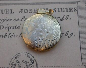 French vintage gold vermeil pendant Reliquary photo holder loclet flower vintage locket
