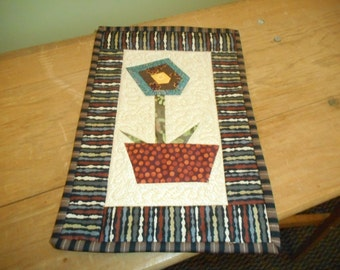 Small Quilt..Small Quilted Wall Hanging..Crumb Quilt