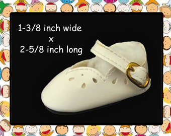 Vintage 2-5/8 inch x 1-3/8 inch white mary jane shoes