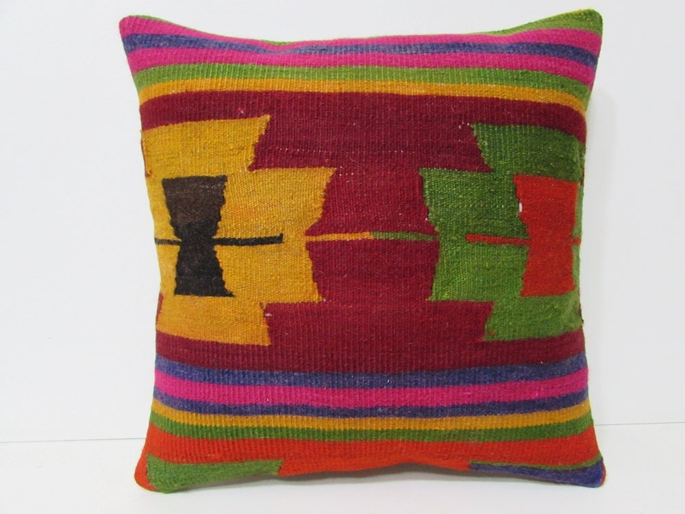Xl Decorative Pillows : 20x20 kilim pillow 20x20 extra large pillow by DECOLICKILIMPILLOWS