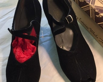 1930's Mary Janes Vintage Shoes Size 9