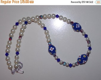 25%OFF Red White and Blue Floral Lampwork Necklace