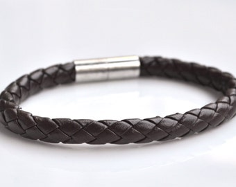 Brown leather magnetic men bracelet