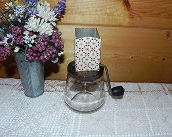Nutmeg Grinder With Glass Jar