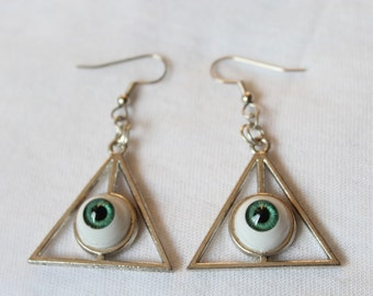 Triangle eye eyeball 'TRIVISION' green earrings