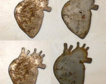 Lot Set Of 4 Anatomical Heart Shape 3 Inch Rusty Vintage Antique Y Metal  Steampunk Part 29