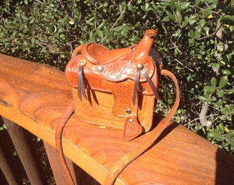 Vintage Hand Tooled Leather Saddle Purse~Excellent Condition~