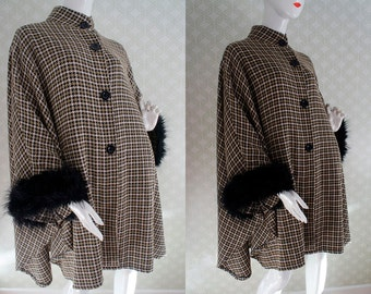 Vintage 80s wool cape coat. Rich tartan plaid - Faux fur around sleeves. One size.