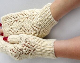 White fingerless Gloves, knit wool arm warmers, lace wrist warmers, fingerless mittens, wedding gloves, knitted armwarmers, lace gloves