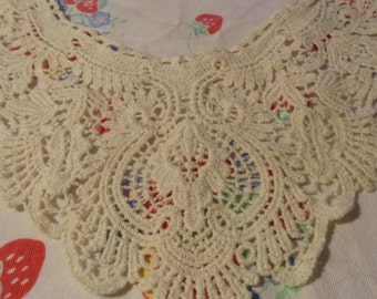 Vintage Crochet Collar Embellishment Neckline Applique