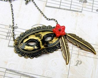 Mascarade - vintage style antique brass necklace