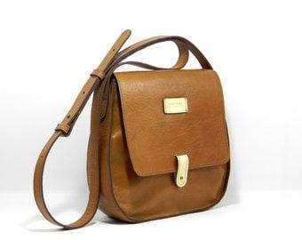 Leather Saddle Bag - Crossbody Bag Handmade in Bolivia - Vegetal Tanned Leather Bag