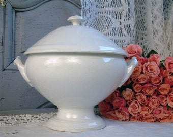 Antique french white tureen with lid. French ironstone tureen. White ironstone tureen. Romantic. French shabby chic tureen. antique white