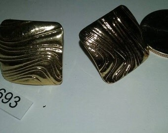 Vintage earrings gold tone 1980's old stock c2693