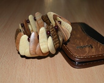 Natural wood bracelet. Wood beads stretch bracelet.