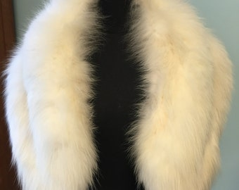 Vintage White Fox Fur Cape/Bridal Fox Fur Cape/Bride's Fur Shawl