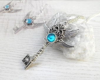 Set necklace angel wings with matching earrings key fantasy key fantasy jewelry angel wings key pendant