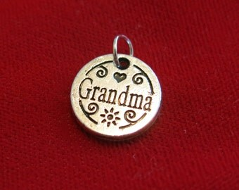 "BULK! 15pc ""Grandma"" charms in antique silver style (BC854B)"