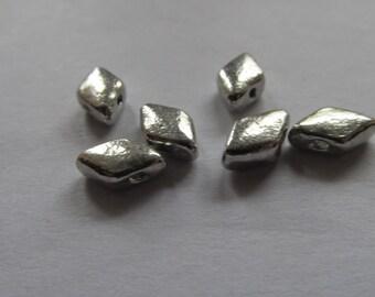 10 diamond plt silver 8x6x3mm