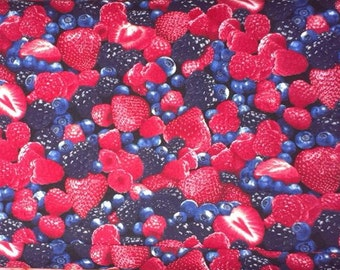 Strawberry Blueberry Berry patchwork US designer fabrict 1/2 yard fruit