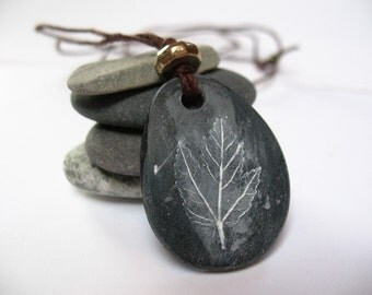 Leaf Necklace, Polymer Clay Pendent, Clay Pendent, Stone Pendent, Stone Necklace, Leaf Necklace,Fall Necklace,Fall Style,Natural Jewlery