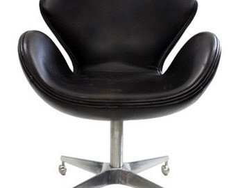 Reproduction Swan Chair By Arne Jacobsen (Black Leather)