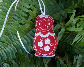 Christmas ~ Holiday ~ Ornament ~ Gift Traditional Russian Style Mamushka~ Matryoshka Machine Embroidered on Red Linen with White Thread