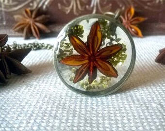 Real Anise Star, Botanical Necklace, Pendant, Golden Flakes, Real Flowers, Nature Resin Pendant, Pressed flower jewelry, Resin Terrarium