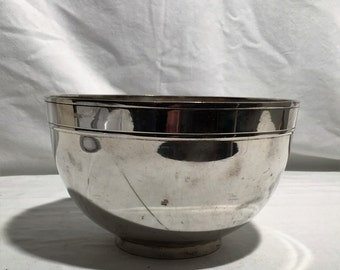 Smooth metal silvered centerpieces from the 30ish Fruit Bowl