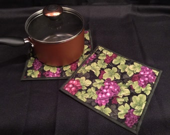 Grape Quilted, Insulated Pot Holder Set