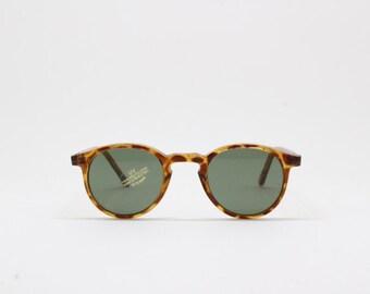 KID's sunglasses, tortoise horn rimmed lasses, original vintage eyewear, green lens,