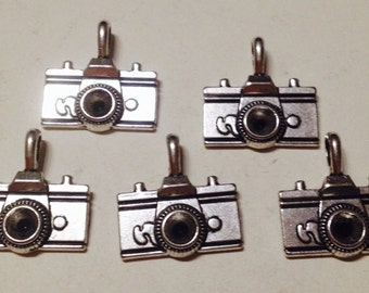 5 charms camera in hypoallergenic metal silver-plated. 20 mm.
