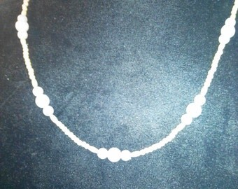 handmade 20&1/4in plastic pearl beaded necklace