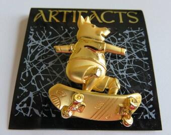 Very Cool Rare HTF Gold Tone JJ Jonette Skateboarding Pig Brooch Pin