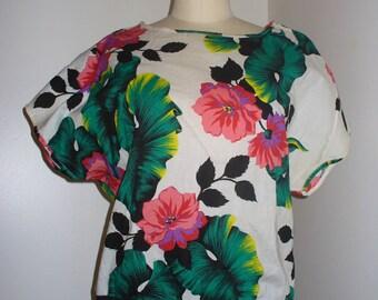 Floral short sleeve top