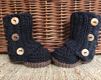 Crochet baby boots, baby booties, baby gift, baby girl boots, baby shoes, crocheted baby boots,baby girl accessory, winter