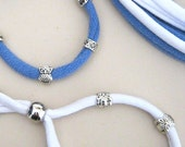 Pair of bracelets with spacers shaped recovery owls blue and white wrist adjustable suitable for all seasons