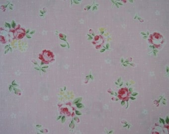 "Fat Quarter of 2015 Lecien Princess Rose Small Roses in Pink. Approx. 18"" x 22""  Made in Japan"