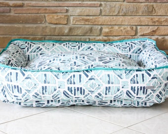 "Dog Bed ""The Winston Blue"" bolster style"