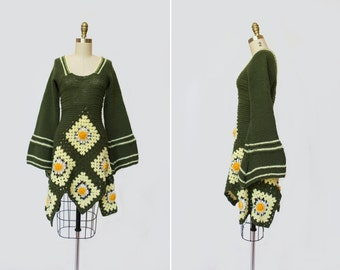 1960s Granny Square Crochet Dress { XS } Vintage 1960s Dress >> 60s Afghan Mini Dress