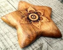 Wood star Incense holder, pyrography Incense burner, wood star, ash catcher, meditation gift, altar incense, pagan, wicca, wiccan gift