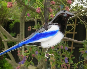 Magpie fused glass bird- made to order - garden birds - british birds - fused glass - garden ornament - british wildlife