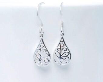 Sterling silver earrings - Filigree earrings - Sterling silver drop earrings - everyday earrings - Gift for mom