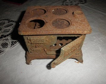 Royal Cast Iron Oven Toy Mini Salesman Sample