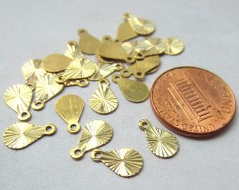 20pcs Small Raw Brass Teardrop Charm Pendant 10mm Diamond cut Shining Charm