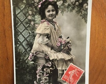Antique French postcard, young girl with flowers, sweet memories, black and white, hand colored, 'doux souvenir,' 1906/1907 french stamp