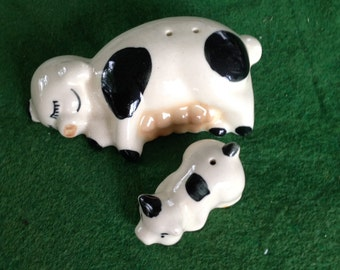 Vintage Salt and Pepper shaker cow and calf