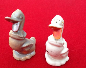 Vintage duck salt and pepper shakers Japan